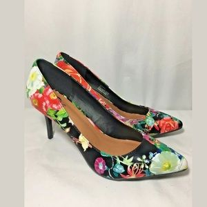 NEW! FLORAL PRINT HEELS SIZE 11